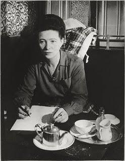 Simone de Beauvoir au Café de Flore, 1944. Brassaï